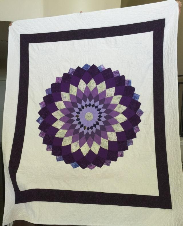 Karen's purple dahlia quilt